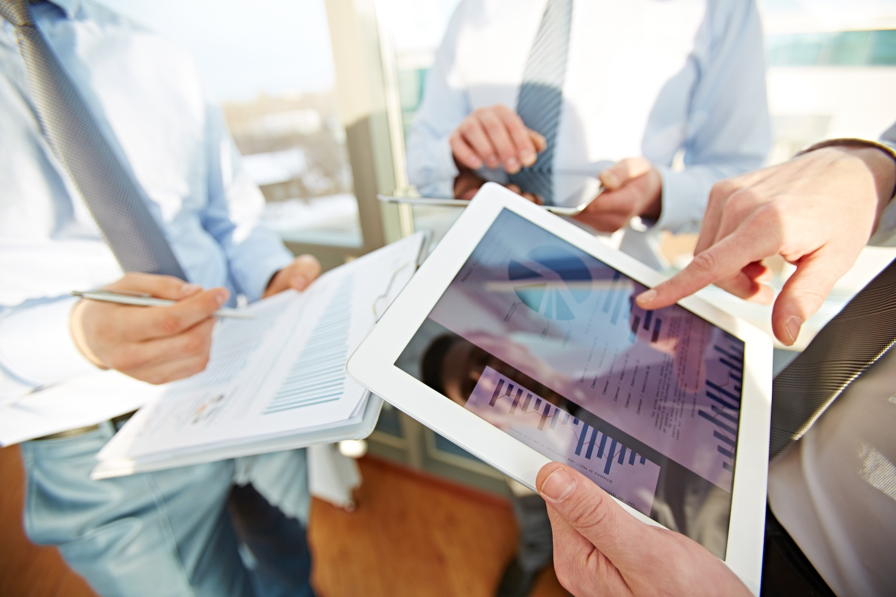 Data collection methods, management and utilization on mobile devices